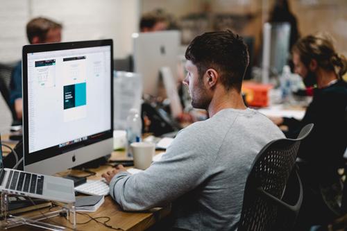 webdesigner sur ordi